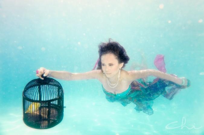 Tiffany underwater 009