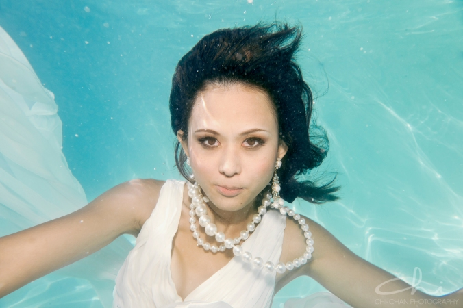 Tiffany underwater 016
