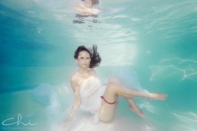 Tiffany underwater 019